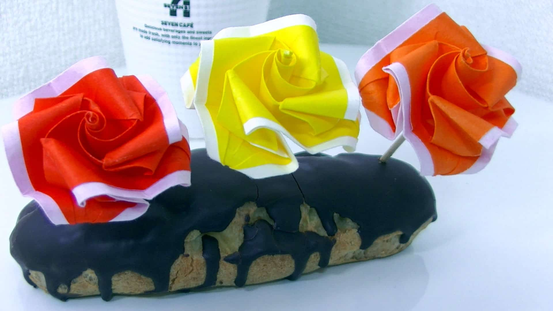 origami-roses-in-a-cake